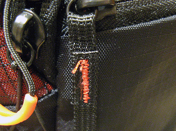 Manfrotto PL-3N1-36 Camera backpack loose stitching.