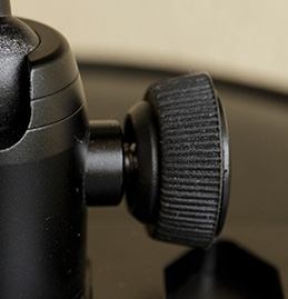 Rubber on ball head knob
